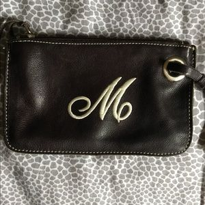 ROOTS BROWN LEATHER WRISTLET